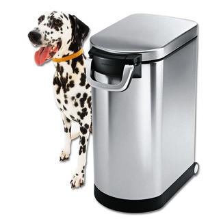 Edelstahl Tierfutterbehälter Riesig geräumig. Platz sparend. Bequem rollbar. Und hygienisch sauber zu halten.
