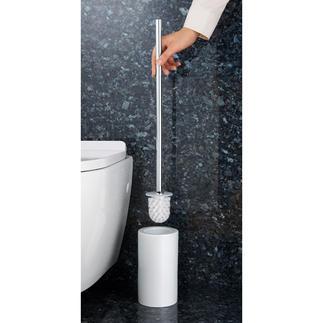 WC-Bürstengarnitur mit extralangem Stiel Angenehmerer Abstand. Und kein tiefes Bücken mehr. Hygienisch im Halter eingeschlossen.