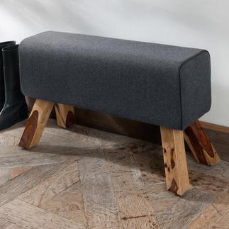 Sitzbock, Anthrazit Extrem bequem und vielseitig erinnert der Sitzbock an das Sportgerät. Der Filz-Bezug verleiht dem Bock einen wohnlichen Charme.