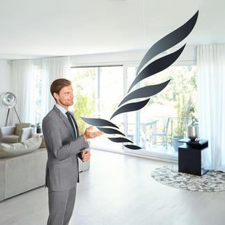 """Mobile """"Rhythm"""" Dänisches Design, das die Seele beflügelt. Aus eloxiertem Aluminium – faszinierend wie gigantische Schwingen."""