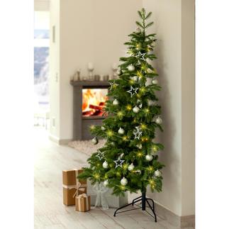 Halber Weihnachtsbaum Schön. Groß. Täuschend echt. Und raffiniert halbiert.