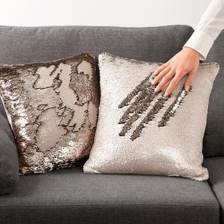 Wendepailletten-Kissen Die zweiseitig bedruckten Pailletten formen flexibel immer neue, schimmernde Muster.