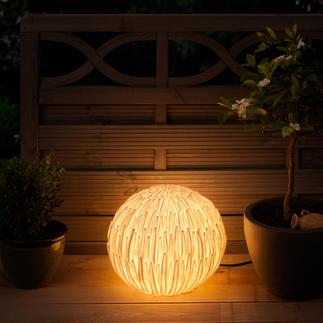 Chrysanthemen-Leuchte In Asien ein Glücks-Symbol. In Ihrem Garten eine prachtvoll naturale Leuchte.