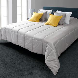 Ultraleichter Bettüberwurf oder Kissen Das elegantes Tageskleid für Ihr Bett: bauschig leicht und schimmernd wie Seide.