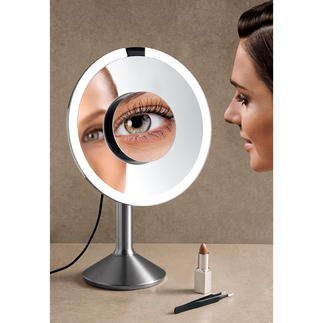 Tageslicht-Sensorspiegel Endlich: Ein beleuchteter Kosmetikspiegel mit 2 verschiedenen Vergrößerungen (statt nur einer).