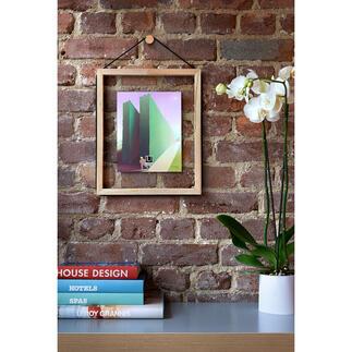 Glücks-Rahmen Der Holz-Bilderrahmen mit Glas-Rückwand lässt Fotos, Collagen, Trockenblumen, ... scheinbar schweben.