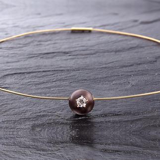 Diamant-Perlen-Collier Außergewöhnlich: Ein brauner Diamant, gefasst in einer kostbaren Tahiti-Zuchtperle.