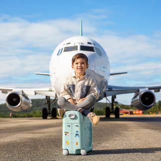 BedBox® Verwandelt den Flugzeugsitz Ihres Kindes in ein komfortables Bett.