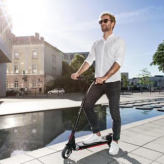 Elektro-Scooter Moovi Jetzt mit Straßenverkehrszulassung und extra breitem Lenker für mehr Fahrsicherheit.