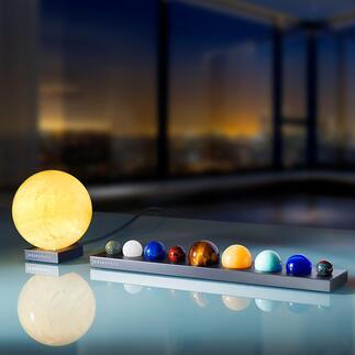 Sonne oder Planeten aus EdelsteinenaufAluminium-Sockel Naturgetreue Ebenbilder der Planeten – überstrahlt von der imposant leuchtenden Sonne.