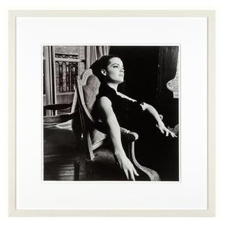 Will McBride – Romy Paris64 Will McBride, Star der deutschen Fotografie-Geschichte, präsentiert seine erste Edition: Romy Schneider auf hochwertigem Baryt. Maße: gerahmt 58 x 58 cm
