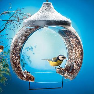 Vogelfutter-Glocke Die neuartige Konstruktion hält nicht zuletzt ungebetene Gäste wie Tauben oder Katzen fern.