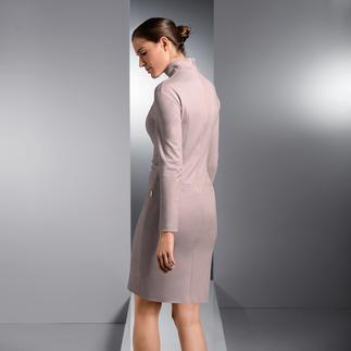 Strenesse Rollkragen-Kleid Das Businesskleid der Saison. Im angesagten Puderton. Von Strenesse.