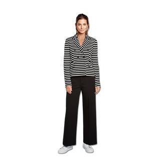 Strenesse Streifen-Blazer 1 Blazer – 6 Trends: Sportive Eleganz. Zweireiher. Softer Stoff. Struktur. Streifen. Schwarz-Weiß.
