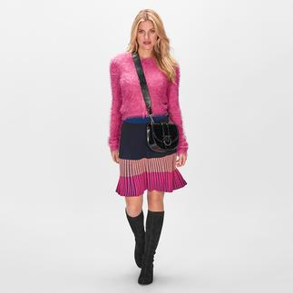 Pinko Flausch-Cardigan Farb- und Materialtrend perfekt vereint: der pinke Cardigan mit Kuschel-Feeling, aber ohne lästiges Flusen.