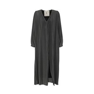 L`Autre Chose Plissee-Kleid Ein außergewöhnliches Einzelstück unter den Plissee-Trendteilen: das Oversize-Plissee-Wollkleid von L'Autre Chose.