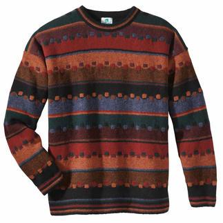 Der Irland-Pullover in den Tönen von Torf, Beeren, Laub und Moos. Edler Jacquard, aus robuster reiner Schurwolle handwerklich gefertigt.