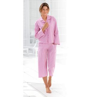 Der NOVILA Vichykaro-Pyjama in Pink/Weiß - für den ersten guten Eindruck am Morgen. Sein wertvoller Stoff kommt von einer kleinen, portugiesischen Traditionsweberei.