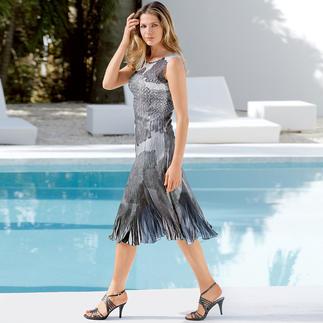 Das Reisekleid von Shelley Komarov - gut gekleidet ohne Aufwand. Der raffiniert plissierte Stoff ist knitterfrei und bequem elastisch.