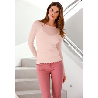 Ihr wahrscheinlich leichtestes und luftigstes Twinset. Dieses Shirt ist aus naturreiner, besonders hochwertiger Haspelseide und resistent gegen Laufmaschen.