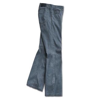 Endlich: eine luftige Leinenhose mit dem knackigen Sitz einer Jeans. Dazu knitterarm und blickdicht. Stadtfein und vielseitig. Gut kombinierbar für jegliche Anlässe. Das sommerliche Material trägt sich kühlend.