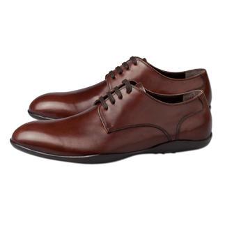 Der edle Oxford-Schnürer, der so rutschfest ist wie ein Surfer-Schuh. Von Harrys of London. Mit wasserdichter Vibram®-Profilsohle - flexibel, rutsch- und abriebfest.