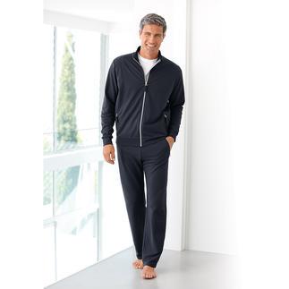 Der Fitnessanzug mit dem Tragegefühl reiner Baumwolle – und dem Klima-Komfort von Coolmax®. Fühlt sich angenehm kühl an und trocknet viel schneller als reine Baumwolle.