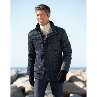 Die warme Daunenjacke, die auch Regen und Schnee trotzt. Ultraleicht. Voll atmungsaktiv. Und erfreulich erschwinglich. Von Steinbock®/Österreich.