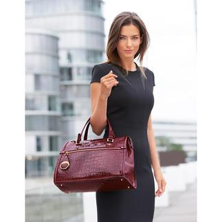 Cavallis wohl typischste Tasche: Üppige Form. Kroko-Prägung. Lackleder. Und genau das richtige Rot. Unaufdringlich und elegant - statt laut und grell. Aber trotzdem ein Blickfang. Unendlich kombinierbar.