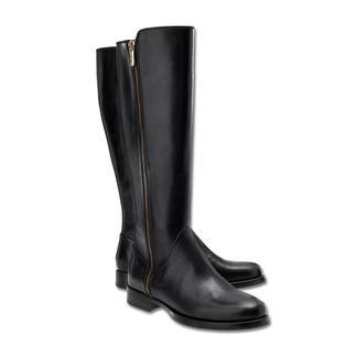 Die Samsonite Footwear Flat Boots - elegante, flache Stiefel zum erfreulichen Preis. Feminin schmaler Leisten. Hochwertiges, poliertes Rindleder. Goldfarbener Reißverschluss.