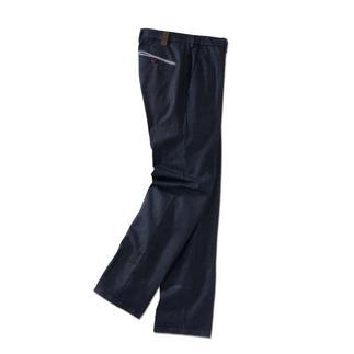 Die Edel-Jeans für Gentlemen. Optisch nah an der Tuchhose. Aber aus robustem, unempfindlichem Denim. Perfekte Passform vom deutschen Hosen-Spezialisten. Seit 1960.