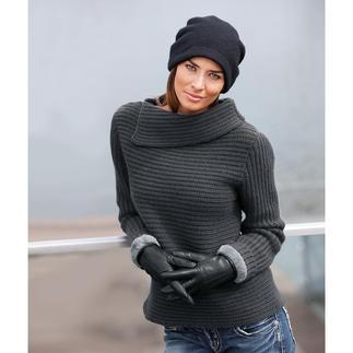 Der modische 8-Ply Kaschmir-Pullover. Durch die legere Kragenlösung und die angesagt kastige Form ist der Kaschmir-Pullover überraschend zeitgemäß.