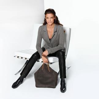 Eleganter als eine Strickjacke. Bequemer als ein Blazer. So angenehm, dass Sie ihn am liebsten täglich tragen würden. So vielseitig, dass Sie es tatsächlich könnten.