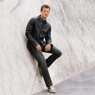 Das modische Lederhemd aus softem Lammleder. Erschwingliche Premium-Qualität vom Lederspezialisten Arma. Die Inhaberfamilie ist seit den 50er-Jahren auf Leder und Pelz spezialisiert.