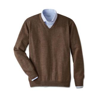 Der Pullover aus Baby-Alpaka: unempfindlich, edel und jahrelang schön. Vielseitigstes Basic Ihrer Reisegarderobe.
