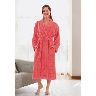 Der Bademantel mit zwei guten Seiten: Außen Baumwolle. Innen MicroModal®. Angenehm leichter. Dauerhaft weicher.