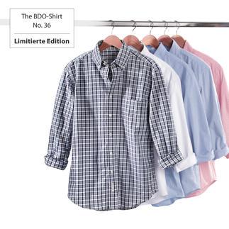 Das gestreifte BDO-Shirt No. 36 aus luftig feinem Oxfordgewebe. Es ist großzügig gerfertigt, nichts engt Sie ein.