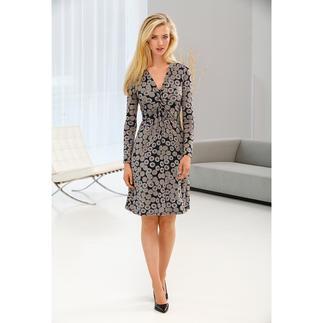 Das schmeichelhafte, kofferfreundliche Jersey-Kleid vom Kleiderspezialisten. Soft. Weich. Leicht. Anschmiegsam. Waschbar. Schmeichelt jedem Figurtyp, in jeder Konfektionsgröße.