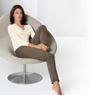 Die Zauberbund-Hose von Raphaela-by-Brax. Ihre wohl bequemste Five-Pocket-Hose. Nicht sichtbare Bundweiten-Reserve plus Power-Stretch-Effekt.