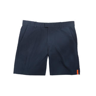 Die stilvollen Badeshorts, die sogar Ihre Chino-Shorts ersetzen. Pfirsichweich. Federleicht. Schnell trocknend. Puristisches Design von Swims/Norwegen.