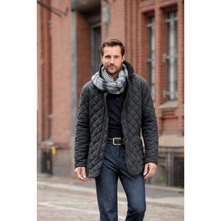 Die Vier-Jahreszeiten-Steppjacke: Kaum eine Übergangsjacke werden Sie häufiger tragen. Samtweicher Oberstoff. Fleecefutter. Vielseitig, elegant und sogar maschinenwaschbar.