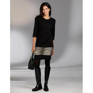 Das elegante Designerkleid für jeden Tag. Knitterarm. Reisetauglich. Und sehr bequem. Von cavalli CLASS.