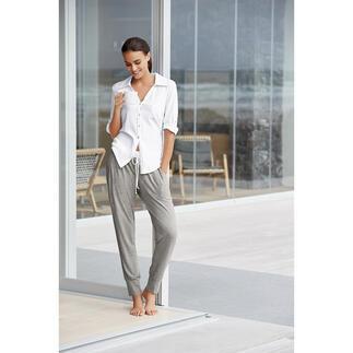 Der Pyjama im lässigen Athleisure-Look: Clean. Modern. Die neue Generation Pyjama: Clean. Modern. Im lässigen Athleisure-Look.