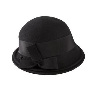 Der elegante unter den wetterfesten Hüten. Feminine Cloche-Form. Softer Merinofilz. Stilvolles Schwarz. Made in France, von Céline Robert.