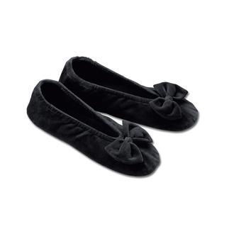 Der superbequeme, samtweiche Nicki-Hausschuh mit Ledersohle - so elegant wie edle Ballerinas. Moosweich und geschmeidig – eine Wohltat für Ihre Füße.  Damit gehen Sie (fast) wie auf Wolken.