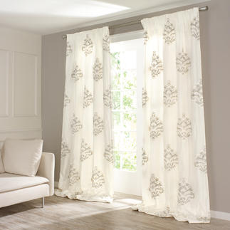 "Vorhang ""Soraya"", 1 Vorhang Erlesenes Seidengewebe mit seltener Nadelmalerei."
