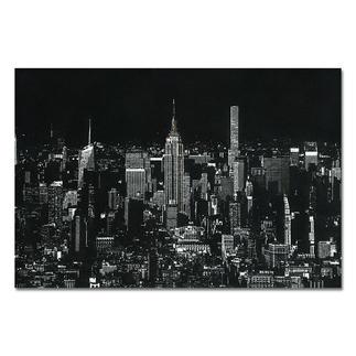 """Tim Bengel – Original New York Skyline Tim Bengel erobert die Kunstwelt. Jetzt bei Pro-Idee: Sein einzigartiges Originalwerk """"New York Skyline"""" aus Sand und Gold. Maße: 202 x 135 cm"""