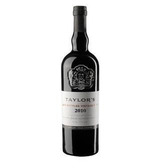 Taylors LBV Port 2010, Portugal Genießen Sie diesen Port auch noch Wochen nach dem Öffnen der Flasche.