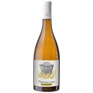 """Novellum Chardonnay 2019, Domaine Lafage, Roussillon, Frankreich """"…ein absolutes Schnäppchen für diesen Preis."""" 92 Punkte von Jeb Dunnuck für den Jahrgang 2017 (www.jebdunnuck.com, November 2018 über den Jahrgang 2017)."""