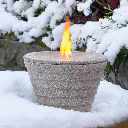 Schmelzfeuer mit separat erhältlicher Winterhaube.